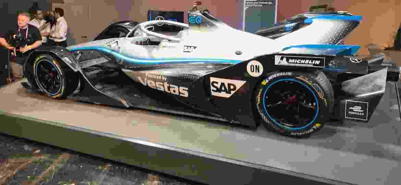 Carro da marca alemã vai de zero a 100 km/h em 2,8 segundos e atinge velocidade máxima de 280 km/h - Ricardo Ribeiro/Colaboração para o UOL