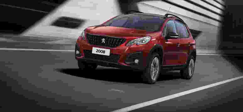 Peugeot 2008 passou por reestilização em maio, porém motor turbo com câmbio automático só chegaram no fim de outubro - Divulgação