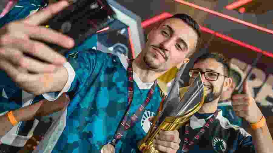 A Cavalaria do Free Fire conquistou o campeonato brasileiro em menos de três meses de existência  - Cesar Galeão