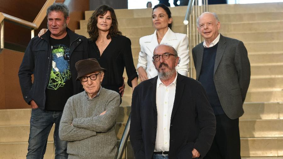 """Woody Allen com o elenco de """"Rifkin""""s Festival"""" - Getty Images"""