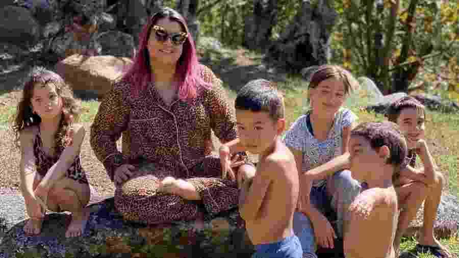 Preta Gil posa ao lado de crianças da extensa família - Reprodução/Instagram