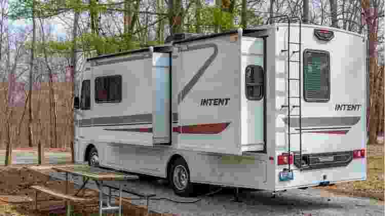 Existem todos os tipos de RVs, de vans-leito a grandes ônibus - Getty Images - Getty Images
