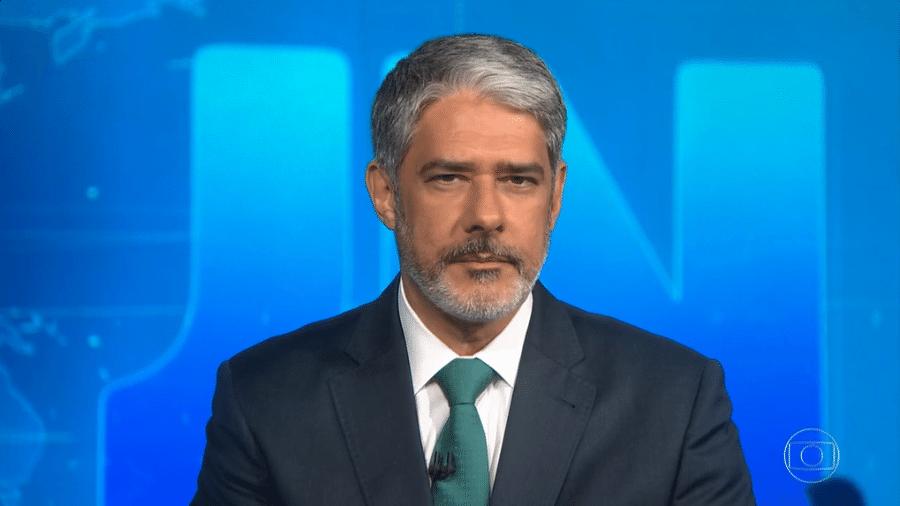 """William Bonner anuncia internação de Silvio Santos no """"Jornal Nacional"""" e surpreende fãs do apresentador - Reprodução/Globoplay"""