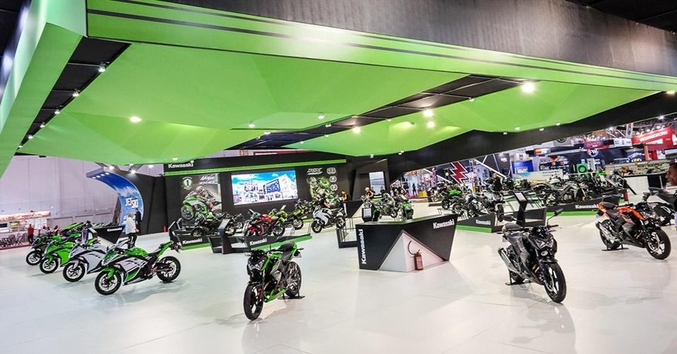 Estande da Kawasaki no Salão Duas Rodas 2015