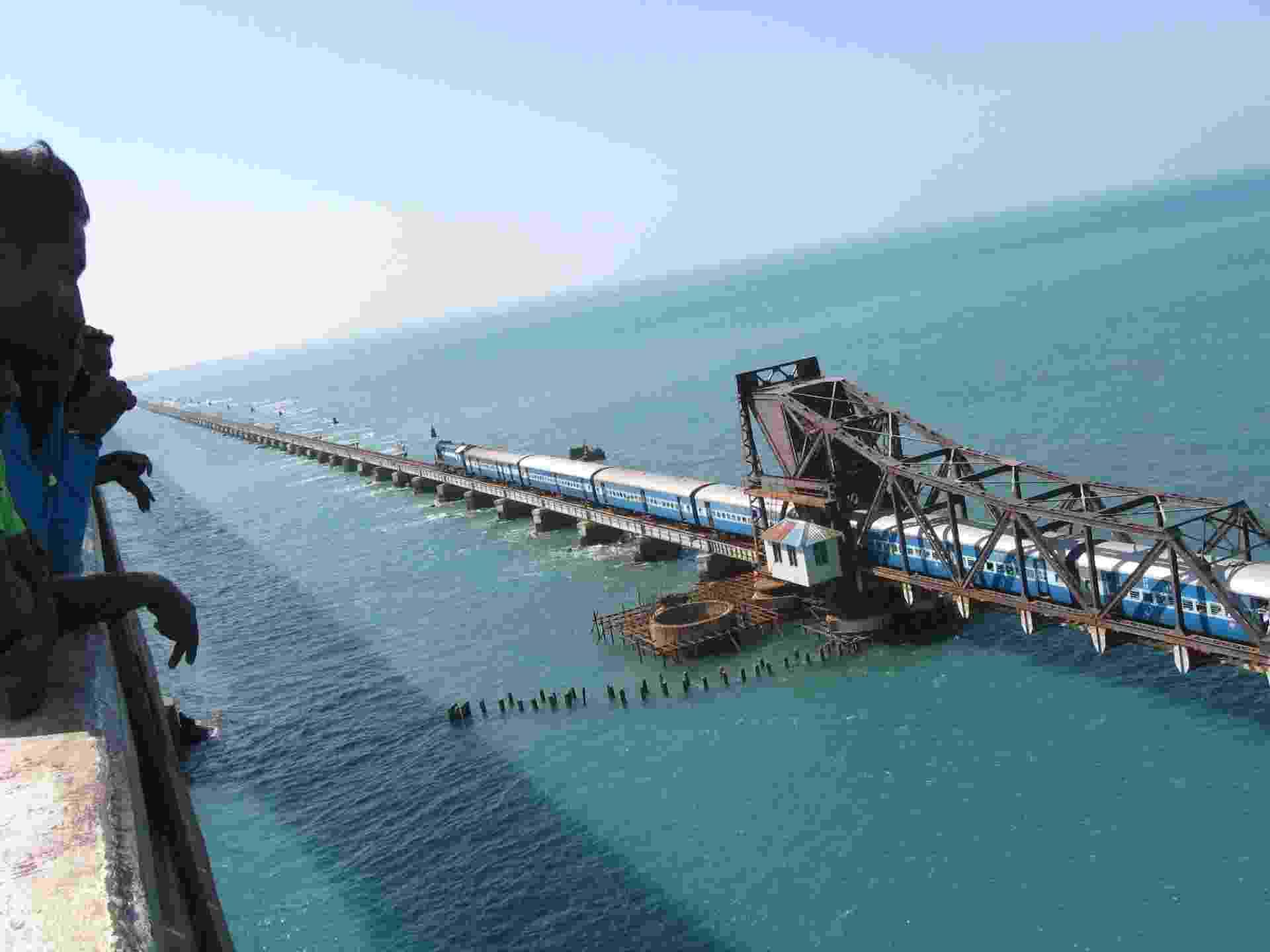 Pamban Bridge Railway, na Índia - Tracy Hunter/Creative Commons