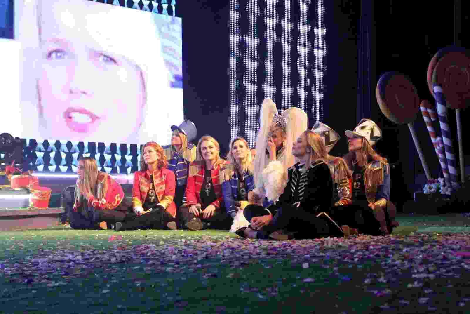 Deu climão: Xuxa ganha homenagem de ex-paquitas durante show no Rio - Thyago Andrade/Brazil News