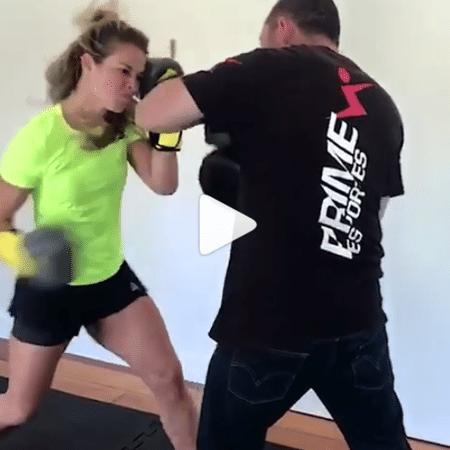 Paolla Oliveira durante aula de luta - Reprodução/Instagram