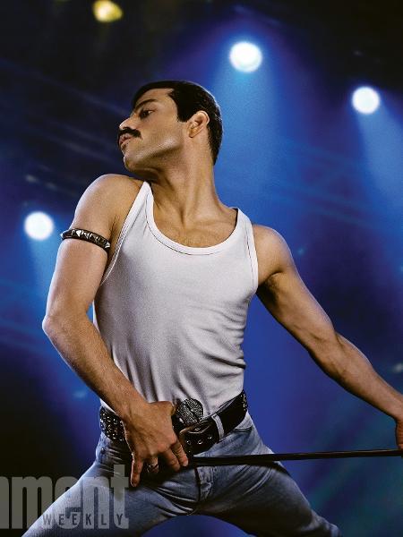 "Rami Malek  como Freddie Mercury em ""Bohemian Rhapsody"" - Reprodução/Entertainment Weekly"