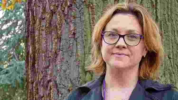 Sarah Thomas sempre quis saber quem era seu pai - BBC - BBC