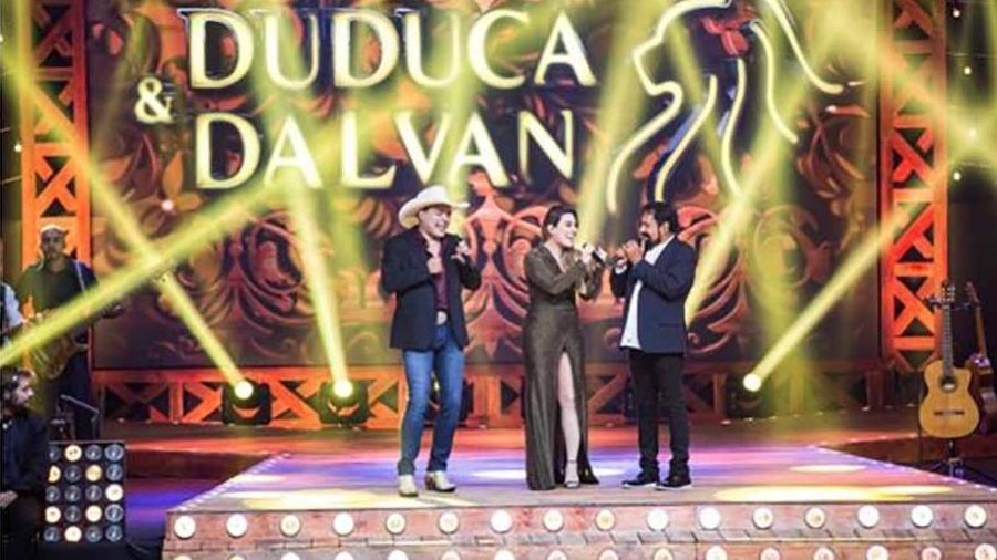 """Duduca e Dalvan e Naiara Azevedo cantam """"Não Volto de Pirraça"""" na gravação do DVD """"Regresso"""" - Fabio Nunes"""