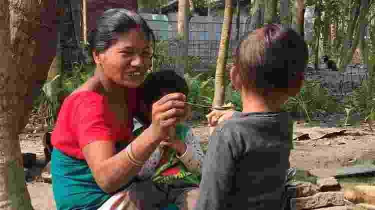Riyan não sai de perto de Shewali Boro nem por um minuto - BBC - BBC