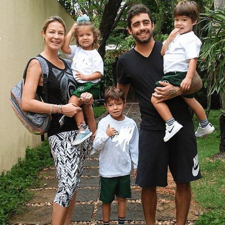 Luana Piovani com o marido e os filhos - Reprodução/Instagram/luapio