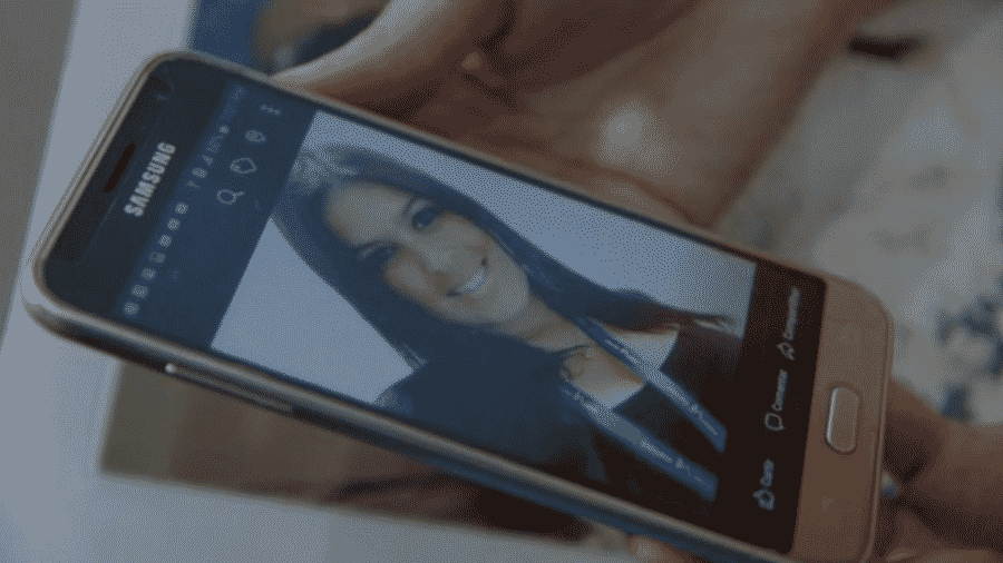 """Jandira dos Santos Cruz morreu durante procedimento de aborto. A mãe ainda sofre com a saudade, mas mantém a opinião de que o aborto não deve ser legalizado. """"Abortar é o mesmo que matar"""", diz - Ana Terra Athayde/BBC"""