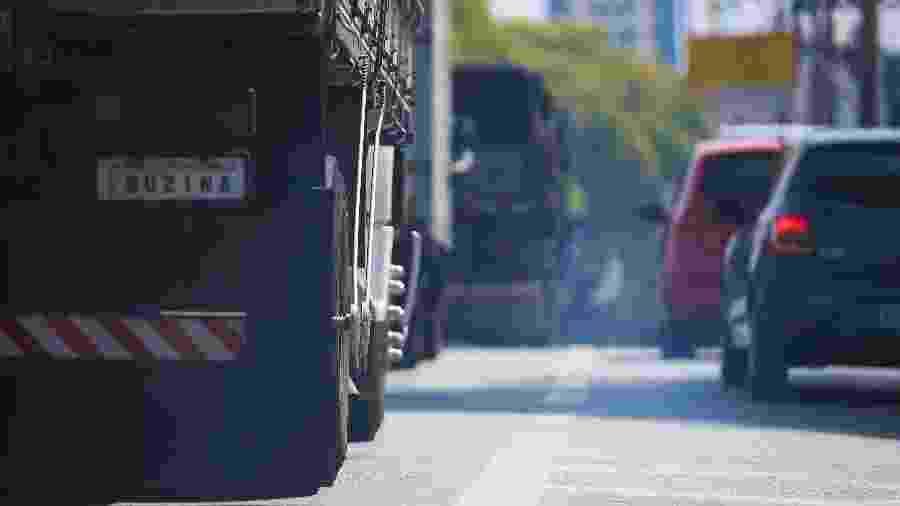 Poluição de veículos a diesel é produzida por fumaça - Zanone Fraissat/Folhapress -- 02-10-2015