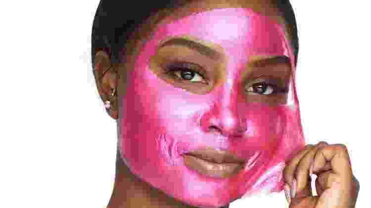 Máscara facial tira impureza dos poros, em aplicação de 15 minutos -  Divulgação/Pür