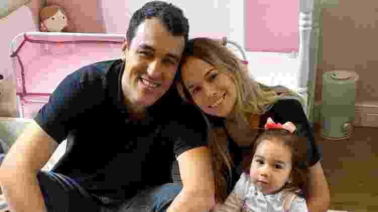 Marina com pai e mãe - Arquivo pessoal - Arquivo pessoal