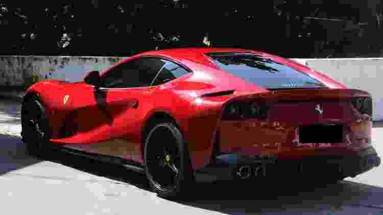 08.08.2020 - Boninho deixa posto de gasolina no Rio de Janeiro com sua Ferrari 813 vermelha - Rodrigo Adao / AgNews - Rodrigo Adao / AgNews