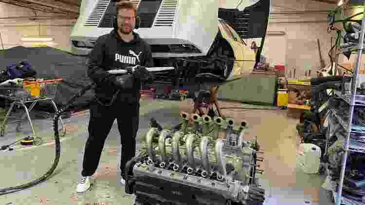 Youtuber britânico Scott Chivers comprou Ferrari largada que pertenceu a príncipe para deixá-la perfeita - Scoot/Divulgação - Scoot/Divulgação