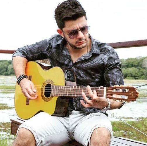 18.jul.2014 - Cristiano Araújo