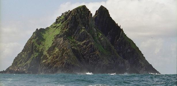 """A ilha de Skellig Michael, na Irlanda, onde foram filmadas cenas de """"Star Wars: O Despertar da Força"""" - Jerzy Strzelecki /Creative Commons"""