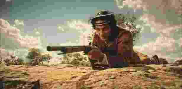 """Bento (Diyo Coêlho) na tocaia para atirar em Afrânio (Rodrigo Santoro) em """"Velho Chico"""" - Reprodução/""""Velho Chico""""/GShow"""