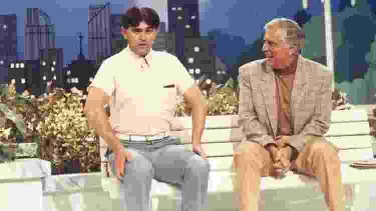 """Batoré e Carlos Alberto de Nóbrega em """"A Praça É Nossa"""", no início dos anos 90 - Reprodução/SBT - Reprodução/SBT"""
