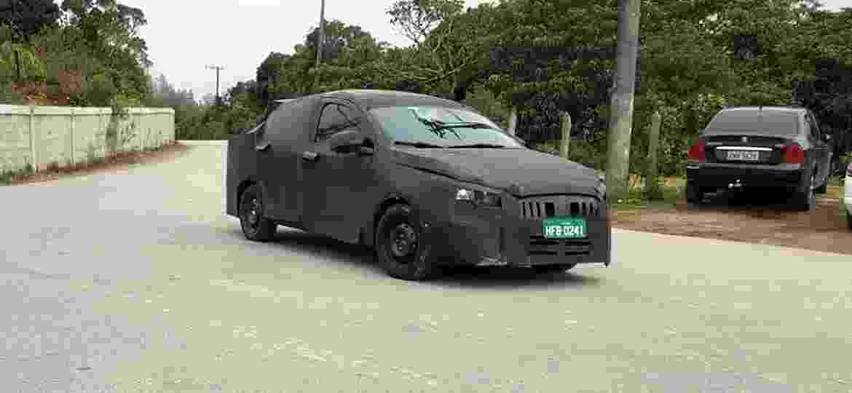 Fiat X6S, futuro sedã da marca baseado no Argo, ainda não tem nome definido - Denis Armelini/UOL