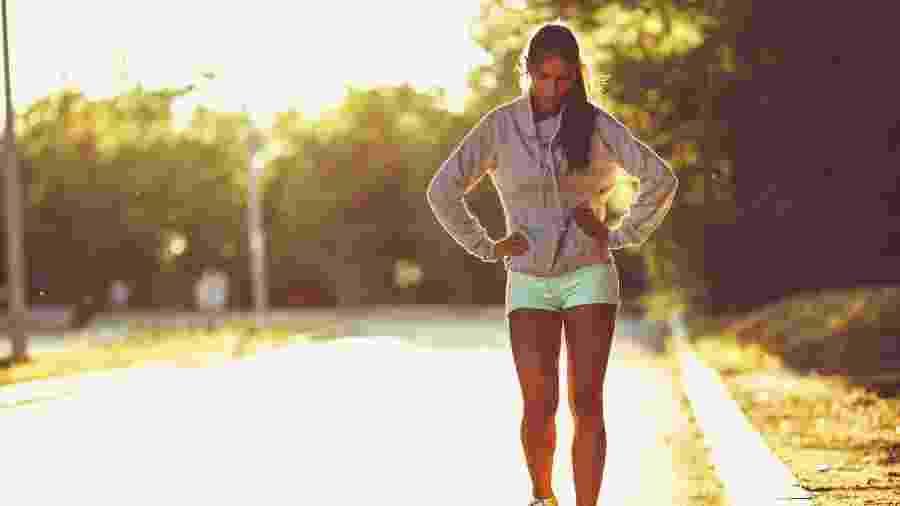 Em um estudo, pessoas com mais fatores de risco para desenvolver problemas cardiovasculares apresentaram maior cansaço ao caminhar - Getty Images