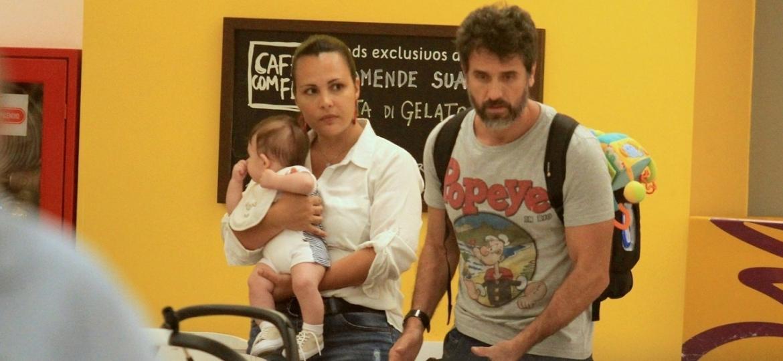 Eriberto Leão faz rara aparição lado de filhos e mulher no Rio - Imagem/AgNews