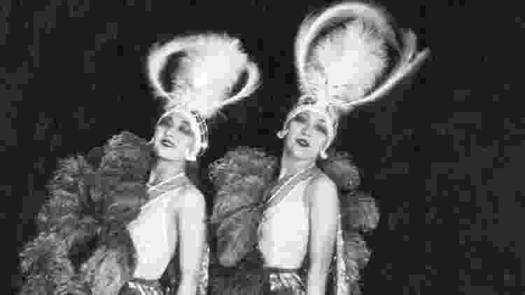 As irmãs Dolly representavam a extravagância dos anos 1920 - elas recebiam U$1.200 por noite para aparecer no teatro Moulin Rouge - James Abbe Archive - James Abbe Archive