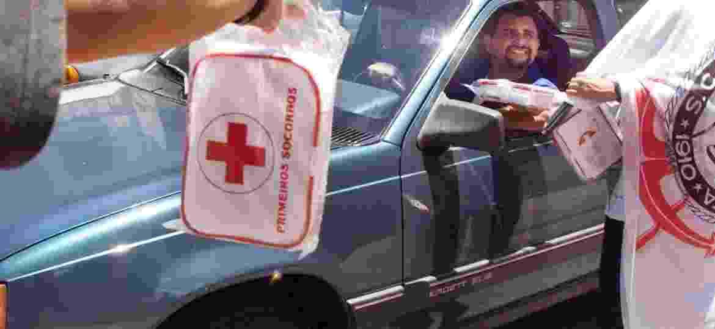 Sem regulamentação correta, lei do kit de primeiros socorros fez alegria de ambulantes; e só - Fabiano Accorsi/Folhapress - 31/12/1998