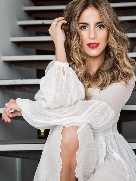 Camilla Camargo muda visual e fica loira  - Patricia Canola/Divulgação