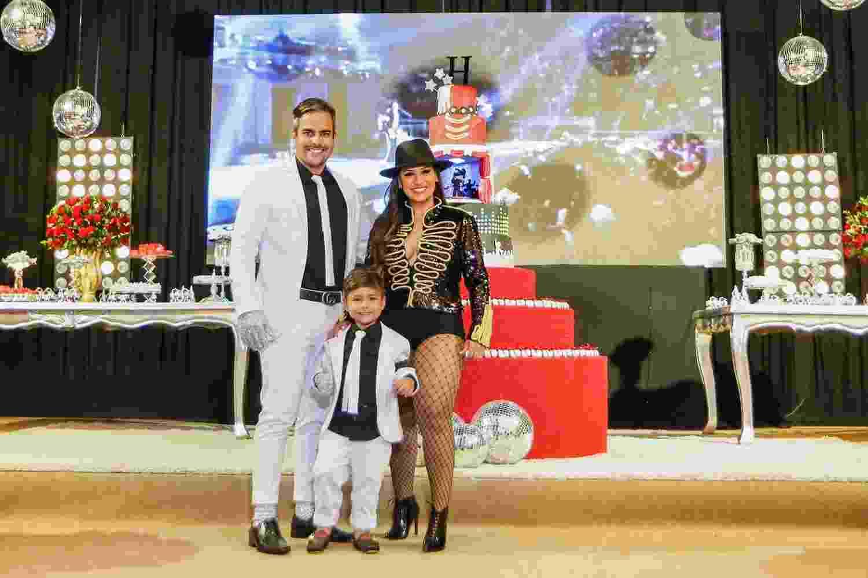 Simone e o marido Kaká Diniz celebram aniversário de 4 anos do filho Henry em buffet de Fortaleza no domingo (5) - Guirlanda Lima/Brazil News