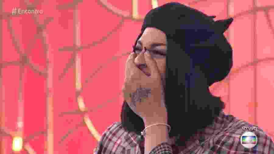 """Pabllo Vittar se emociona com a presença surpresa da irmã gêmea no """"Encontro"""" - Reprodução/Globo"""