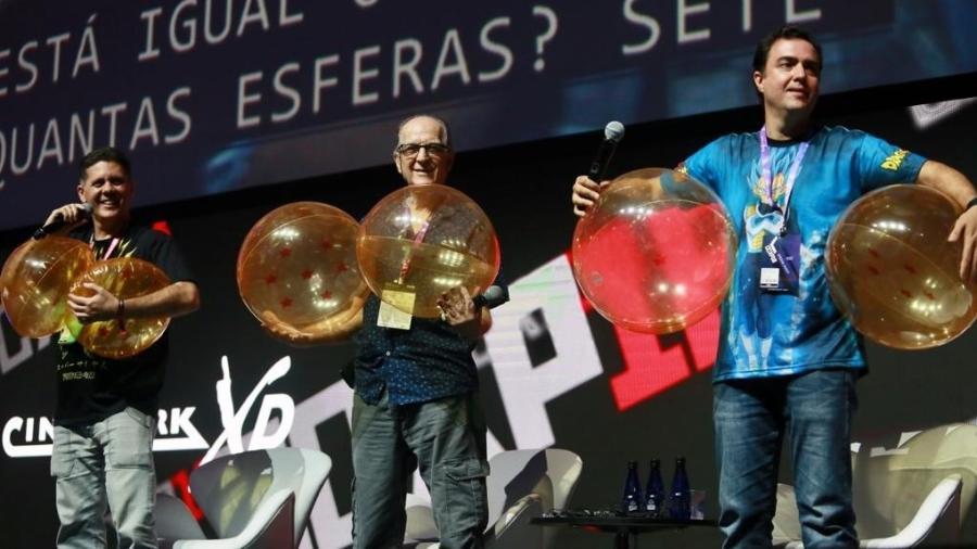 """Os dubladores Wendell Bezerra, Carlos Campanile e Alfredo Rollo durante painel de """"Dragon Ball Super: Broly"""" na CCXP 2018 - Iwi Onodera/UOL"""
