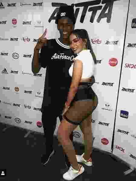 """DJ Zullu foi convidado por Anitta para tocar no aniversário dela. Depois se apresentou no Rock in Rio Lisboa e gravou """"Eu Nao Vou Embora"""", com Anitta e MC G15  - Reprodução/Instagram - Reprodução/Instagram"""