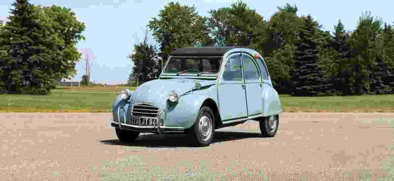 2CV: há quem diga que ele poderia ter sido o carro mais popular do mundo... - Divulgação
