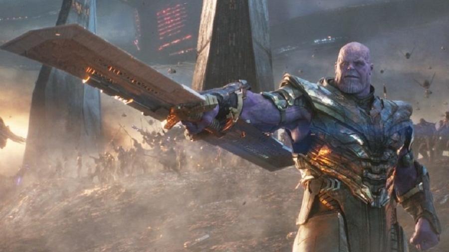 Thanos e sua arma em Vingadores: Ultimato - Divulgação