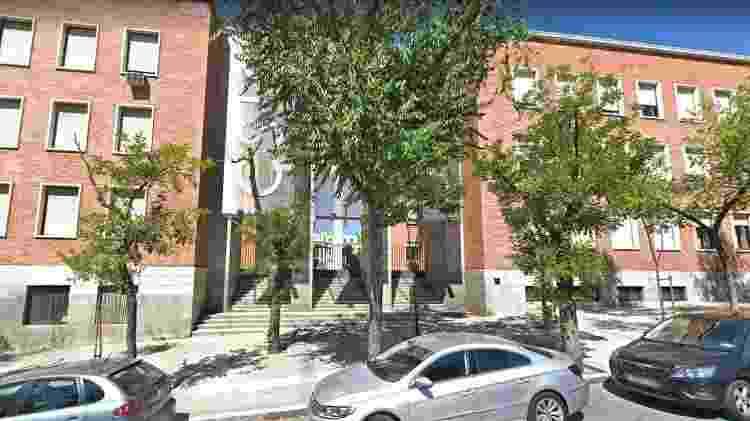 Local de onde é possível observar o prédio usado na gravação das partes 1 e 2 de La Casa de Papel - Reprodução/Google Street View
