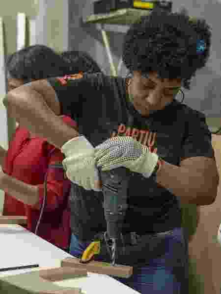 """Casa LAB leva a prática do """"faça você mesma"""" para mulheres do Campo Limpo, em SP - Jardiel Carvalho"""