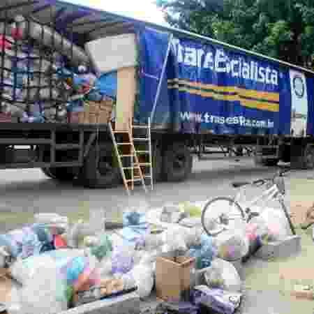 Caminhão de doações do projeto Amigos do Jequiti - Elcio Padovez