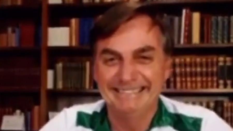 Bolsonaro sorri em live no dia 19 de maio - Reprodução/Instagram