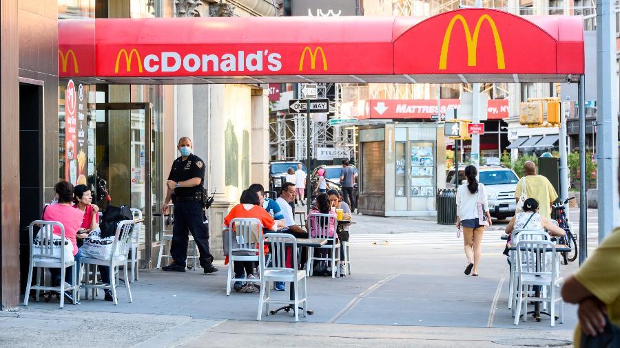 """McDonald""""s na Union Square, em Nova York, após reabertura diante da pandemia do coronavírus - Getty Images"""
