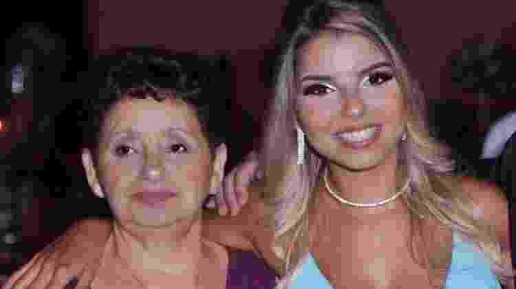 Giovanna ao lado da avó Maria - Arquivo pessoal - Arquivo pessoal