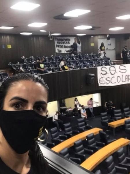 A motorista de van escolar Greice de Araújo Nicoletti,39, de SP, participa do movimento SOS Transporte Escolar Autônomo - Arquivo pessoal