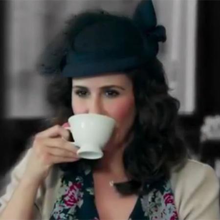 Ilde (Guilhermina Guinle) - Mulher má e cruel. Casou-se com Araújo (Flavio Tolezani)  por interesse e não suporta seu filho, Claudio (Xande Valois) - Reprodução/Instagram/Eta Mundo Bom