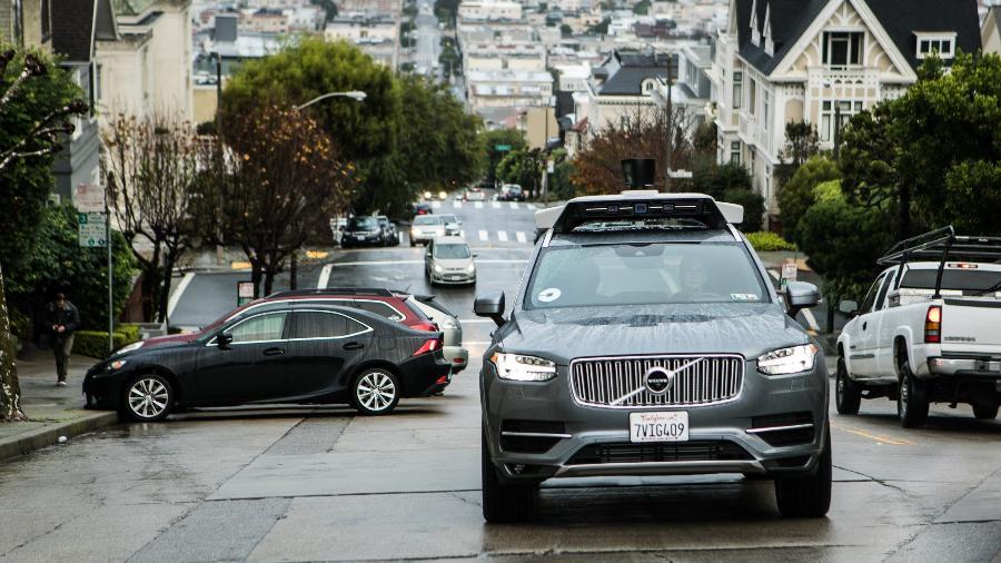 Volvo faz questão de exibir foto de seu XC90 autônomo com selo do Uber; startup esconde - Divulgação/Volvo Cars