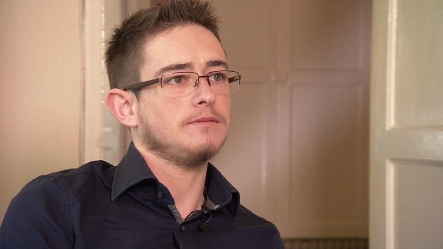 Joe só se reassumiu homem aos 25 anos de idade - BBC