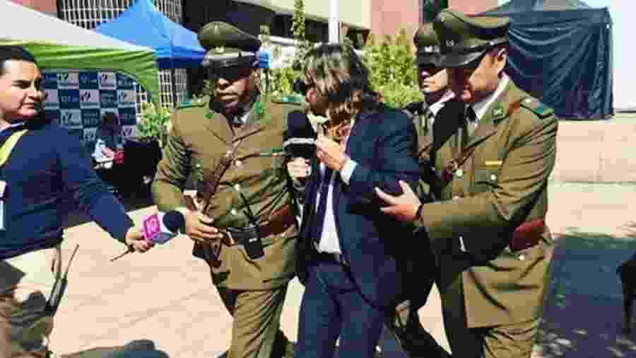 """Repórter do """"CQC Chile"""" foi expulso por carabineros - Reprodução/Instagram"""