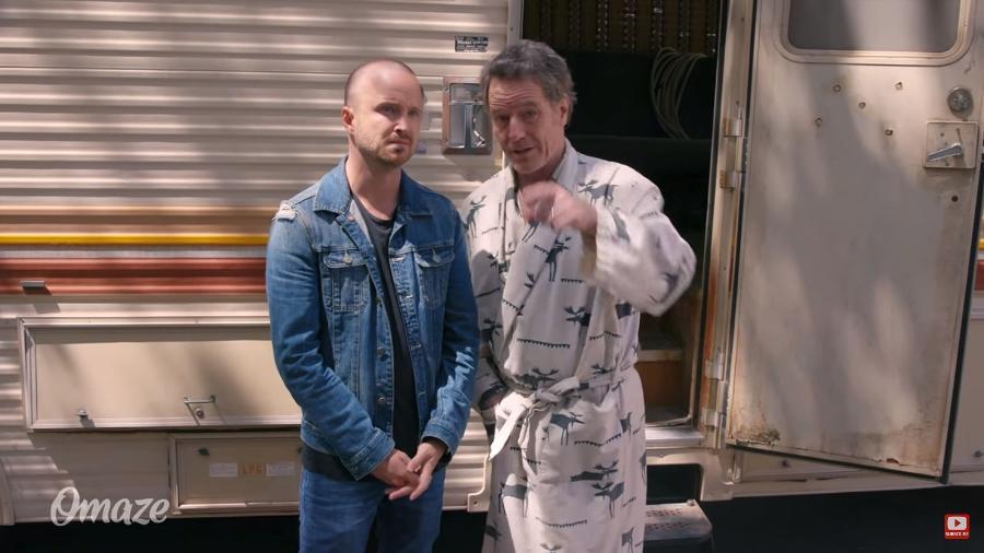 "Bryan Cranston e Aaron Paul voltam ao famoso trailer de ""Breaking Bad"" para campanha beneficente - Reprodução/YouTube"